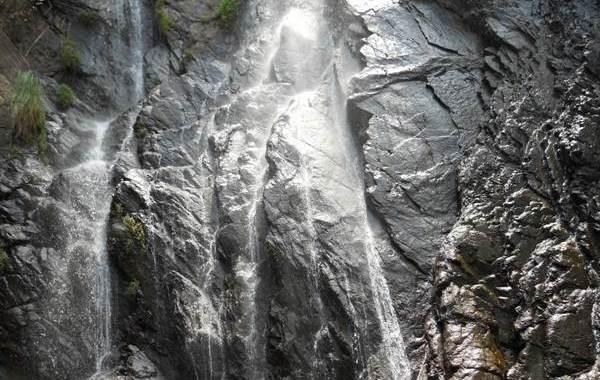 Pradhanpat Waterfall of Deogarh