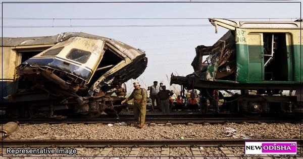 Bhubaneswar – Bhadrak DMU Train Accident - 2 killed , Many hurt