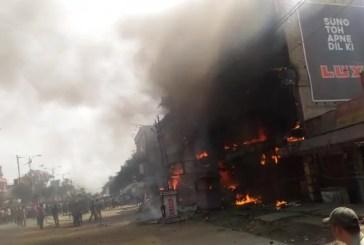 Massive fire at Cuttack Palamandap shopping mall creates panic