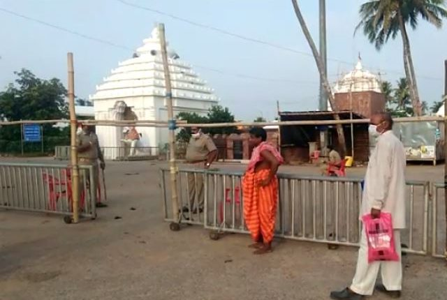 Anasara Darshan begins at Alarnath temple in Bramhagiri sans devotees