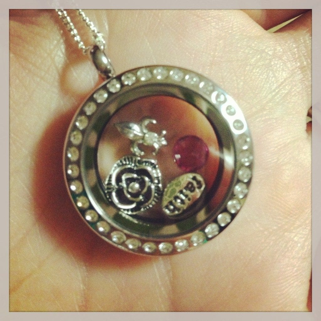 Create your own living locket: {Review & Giveaway from ... - photo#25