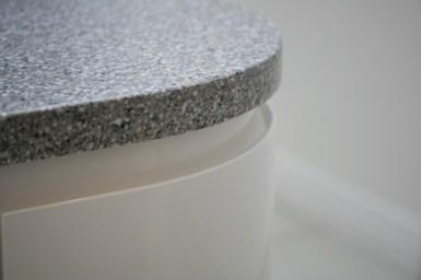 Corian worktop in platinum