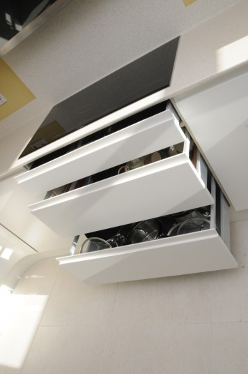 Deep Pan Drawers with Bosch Flex-induction Hob