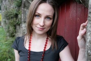 Julie Fowlis with beads