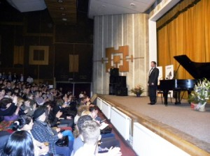 pianist Horia Mihail 24041