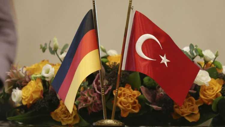 Отказ ФРГ поставлять оружие и ответ Анкары