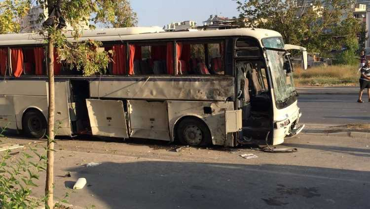Сильный взрыв прогремел в Измире