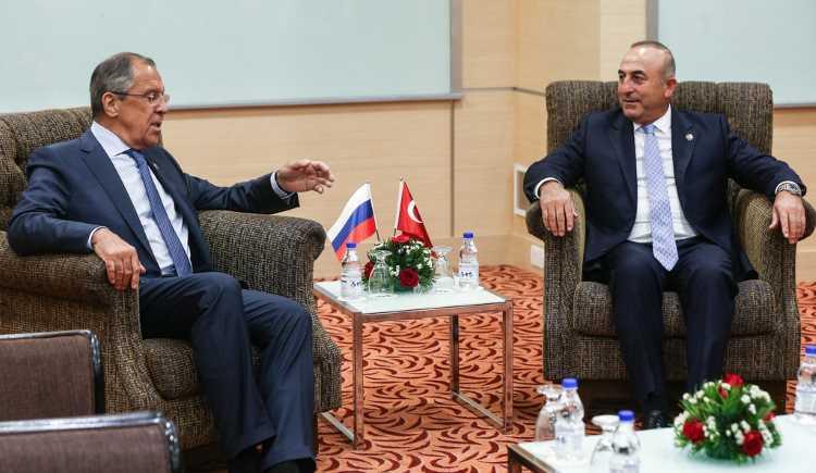 Чавушоглу объяснил отмену встречи с Лавровым
