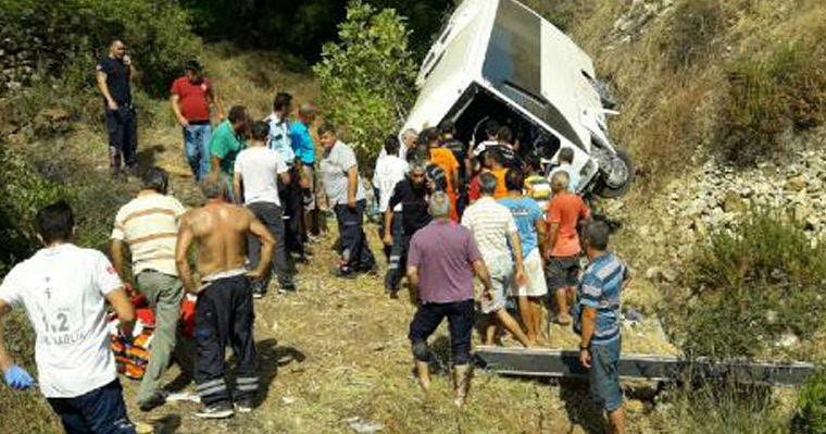 Двое туристов погибли в ДТП с автобусом в Анталье