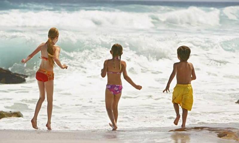 СМИ рассказали, как вывести детей на море без штрафов