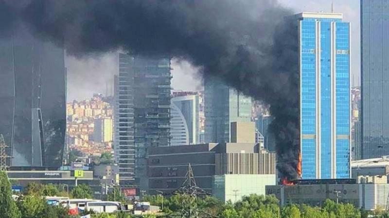 В центре Анкары горел 30-этажный небоскреб