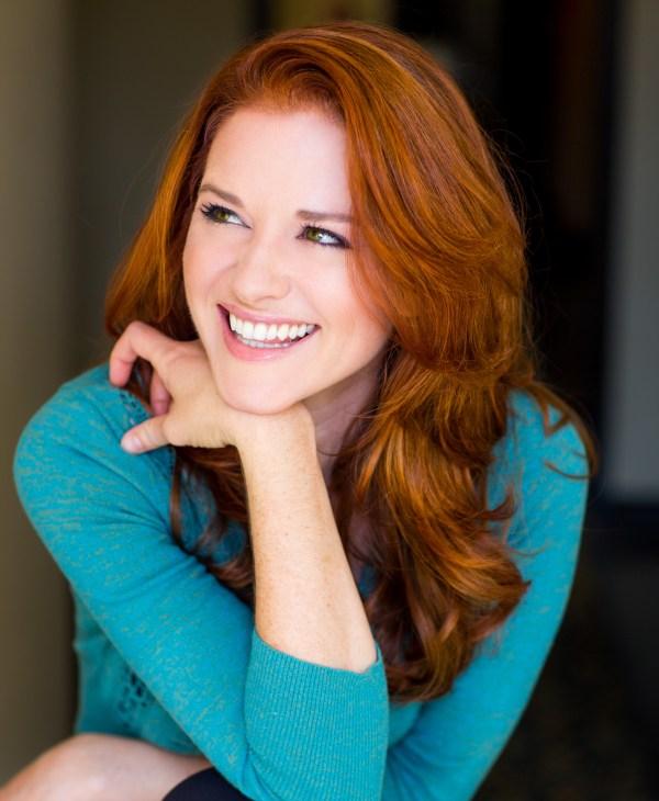 Alumna Sarah Drew Star Of Grey Anatomy Speak Valedictory Exercises Uva Today