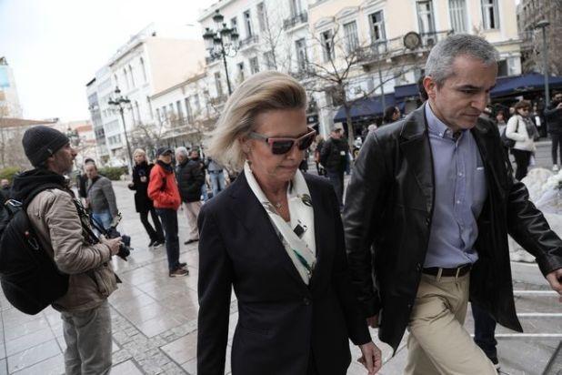 Ελίζα Βόζεμπεργκ στην κηδεία του ηθοποιού Κώστα Βουτσά στην Αθήνα την Παρασκευή 28 Φεβρουαρίου 2020