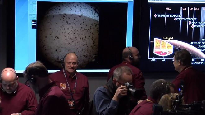 Mε επιτυχία η προσεδάφιση του Insight στον Άρη