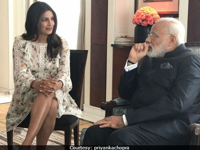 PC was accused of 'dishonoring' PM by wearing a knee-length dress