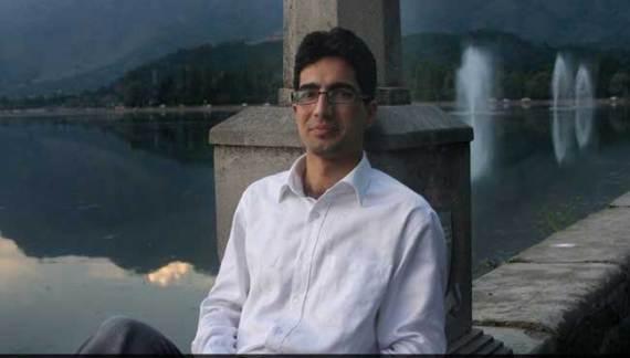 """2009 IAS Topper From Kashmir Faces Centre's Wrath For """"Rapistan"""" Tweet,"""