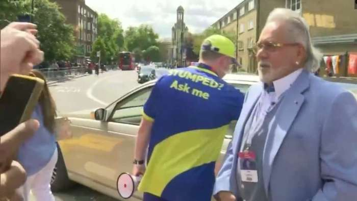 Indian fans taunt Mallya at The Oval