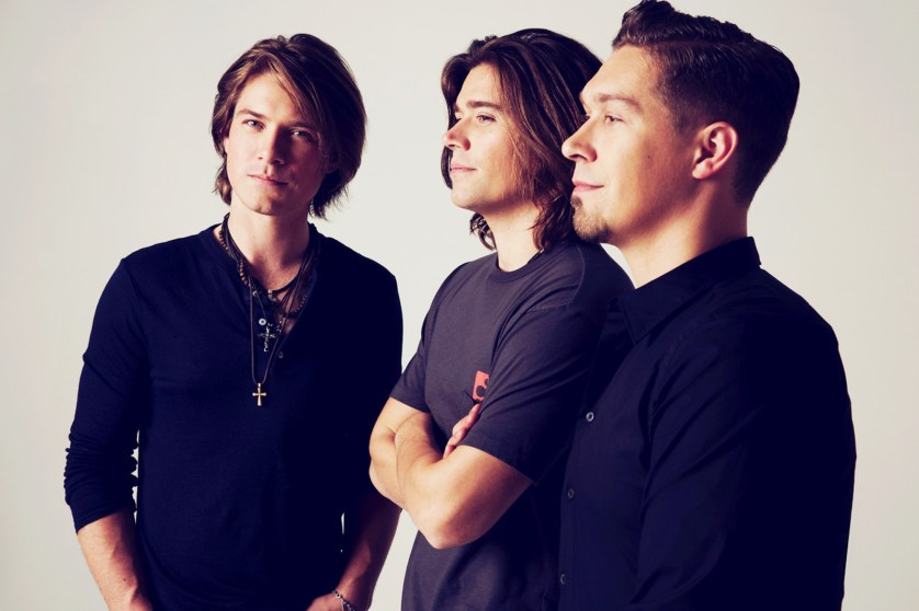 Pop Music Icons HANSON to perform Bojangles' Southern 500 National Anthem