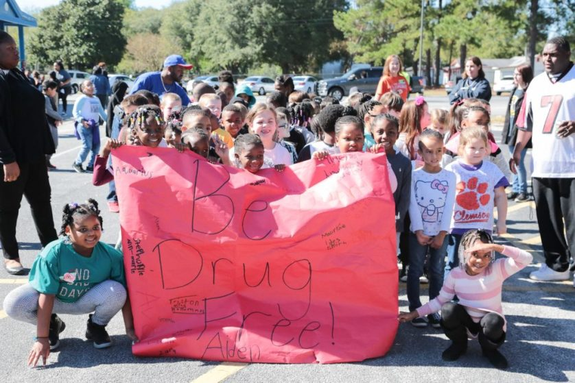 Students stage Red Ribbon march against drugs