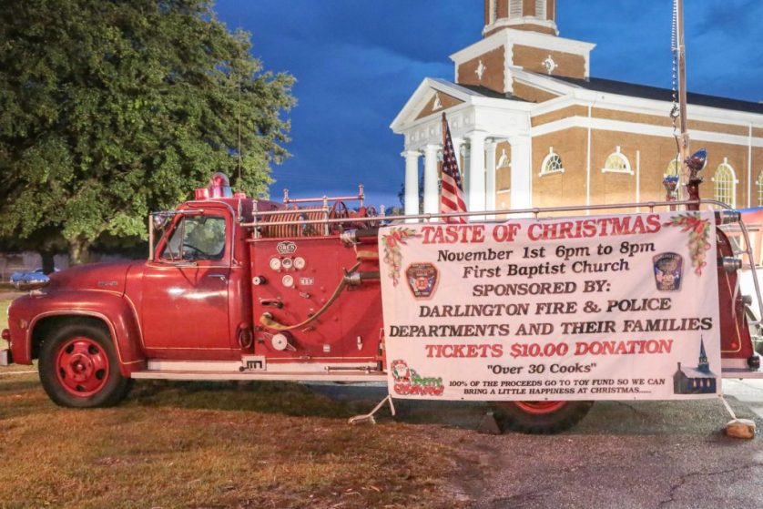 """Darlington turns out for """"Taste of Christmas"""""""