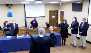 County Council starts year with three swearing-ins