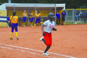 Lady Tigers defeat Lady Red Foxes 6-5