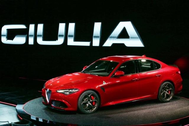 Alfa-Romeo-Giulia-1-696x464