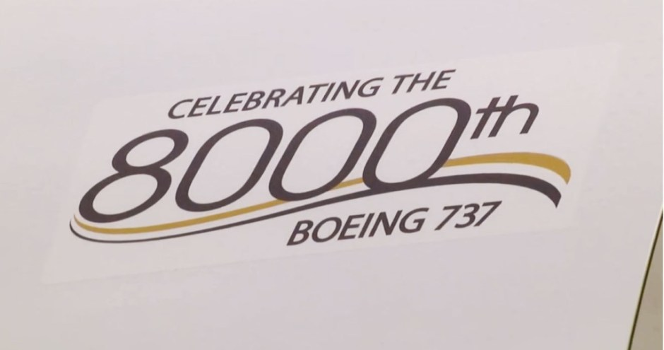 Boeing-737-8000th