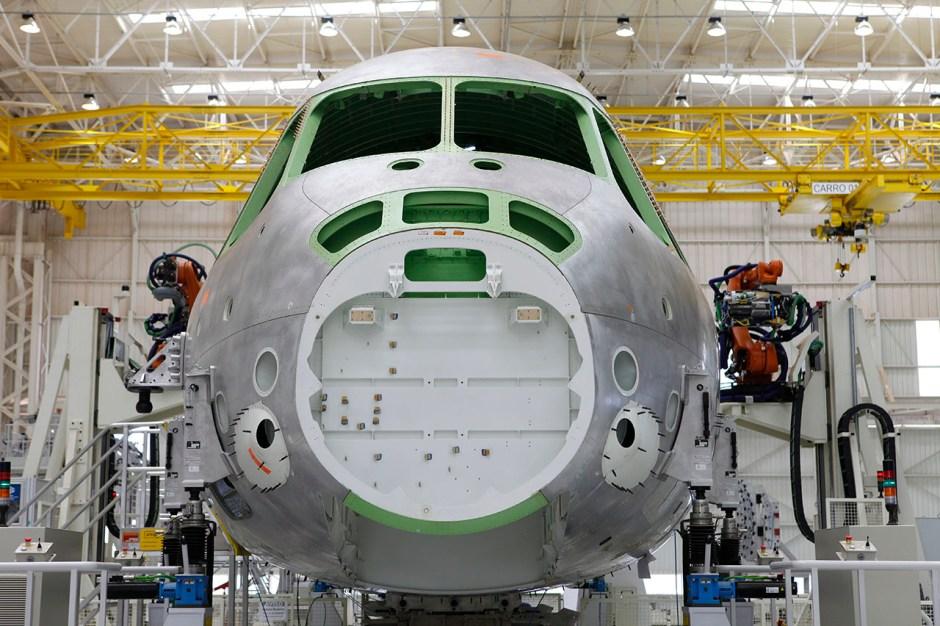 Embreaer KC-390 - Linha Montagem