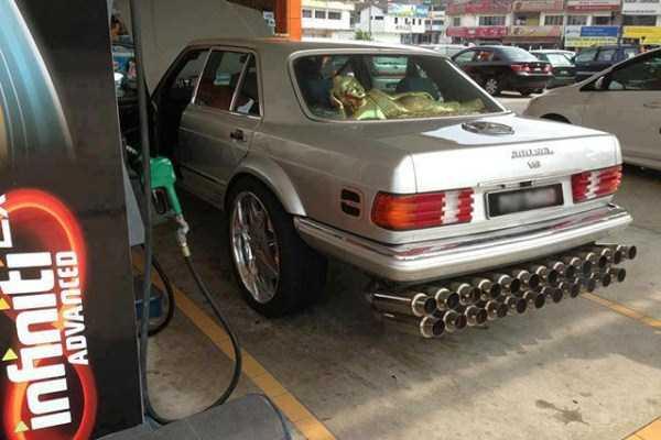 bad car modifications 13 Αμάξια που θα ονειρευόταν ο κάθε.. κάγκουρας!
