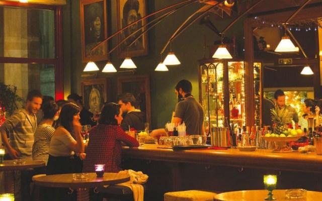 Τέσσερα ωραία μπαρ για τα φθινοπωρινά βράδια στην πόλη – Newsbeast