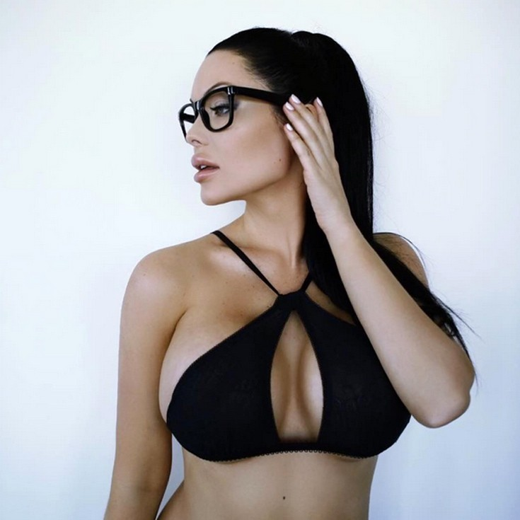 Veronika Black: The Canadian Angelina Jolie that Social Media [photo]