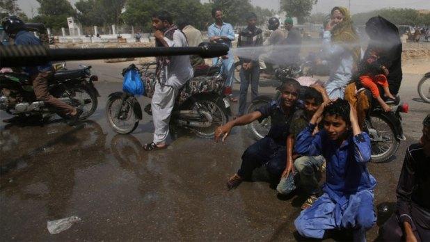 Current heatwave gripping Karachi