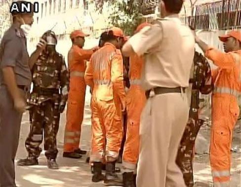 Around seven teams of Delhi Fire Department officials were send to Tughlakabad to control the gas leak