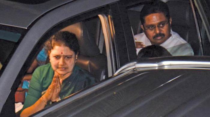Income Tax officials Conducting Raids at Jaya TV office, Kodanad Estate and Houses of Sasikala's Relatives
