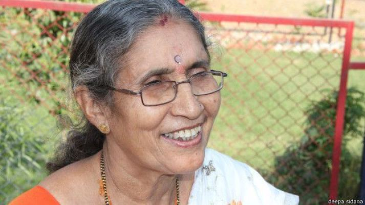 Narendra Modi Wife Jashodaben in Temple