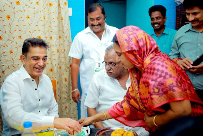 Haasan at APJ Abdul Kalam's residence in Rameswaram