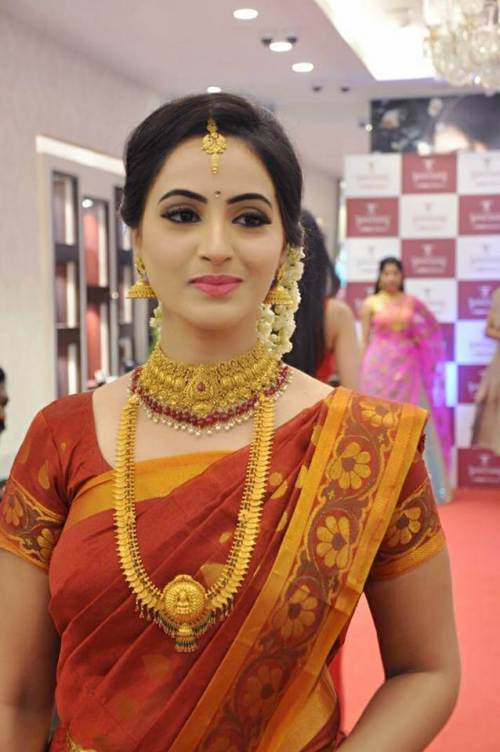 Mounika Devi Wiki, Biography, Avalum Naanum serial, Age