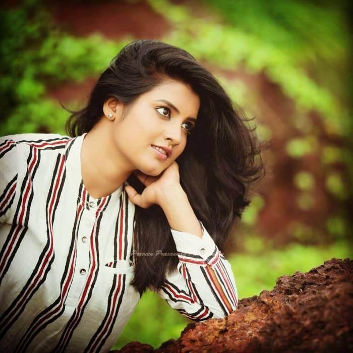 Roshna Ann Roy Images