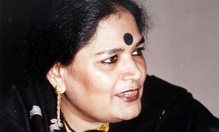 Usha Uthup wiki