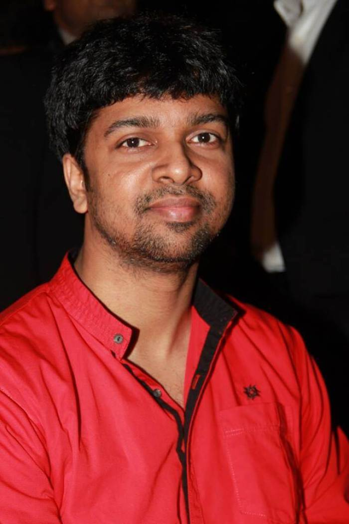 Madhan Karky Wiki, Biography, Age, Songs List, Wife, Images