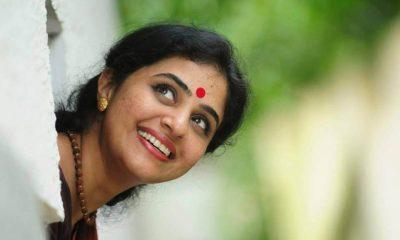 Methil Devika (Mukesh Wife) Images