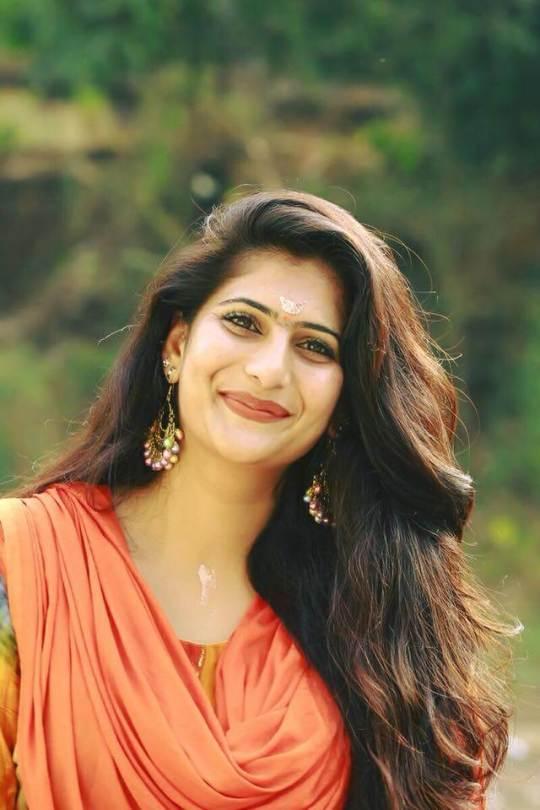 Neha Saxena Images   Neha Saxena Bigg Boss Malayalam