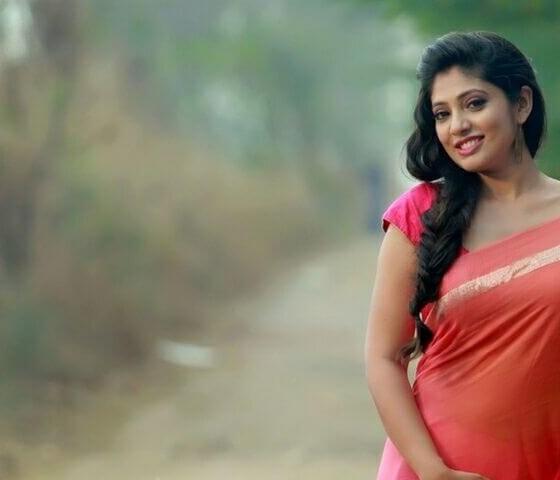 Veena nandakumar Images