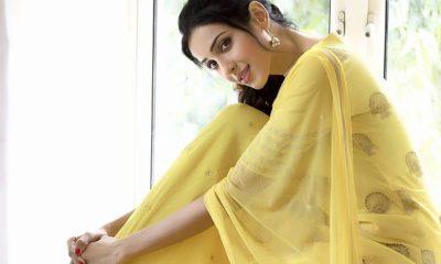 Riya Suman Images