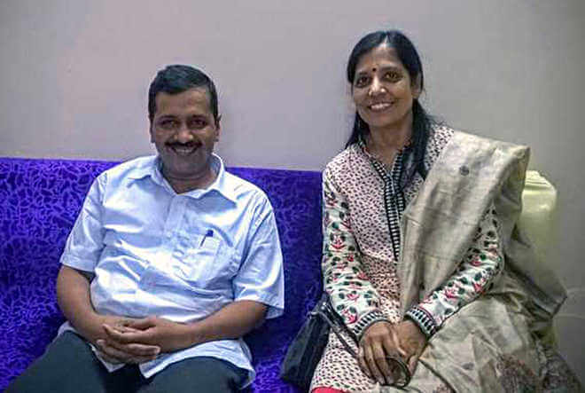 Arvind Kejriwal Wife Sunita Kejriwal
