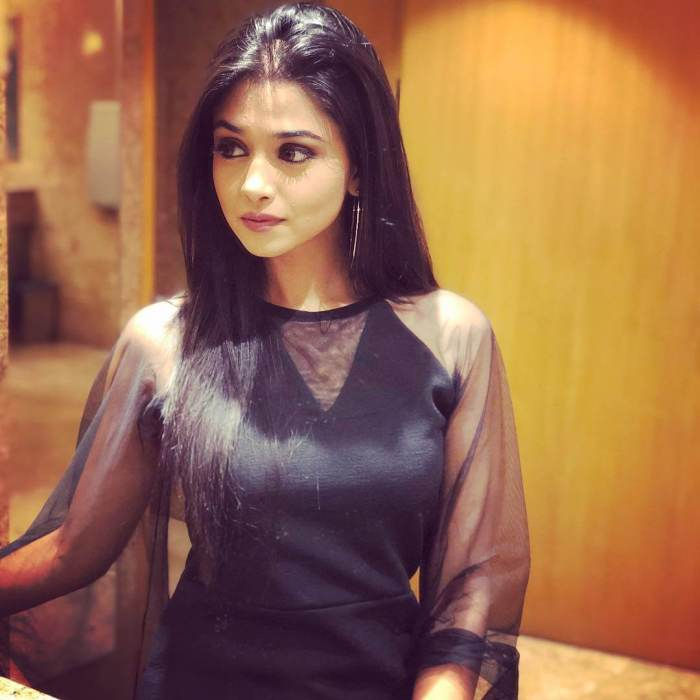 Tanvi Dogra Photos