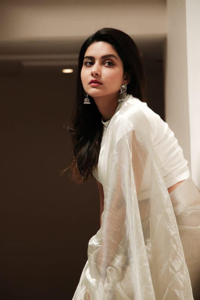 Mahima Nambiar HD Pictures