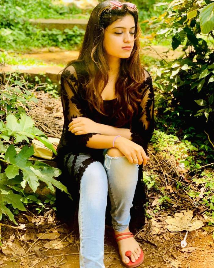Sanjana Kalmanje Images