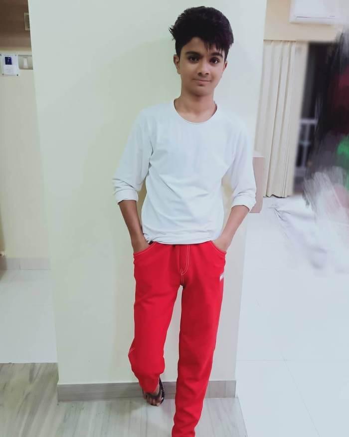 Azmat Hussain Photos